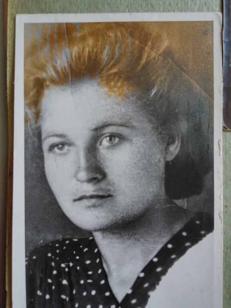 Бурметьева (Макеева) Нина Степановна